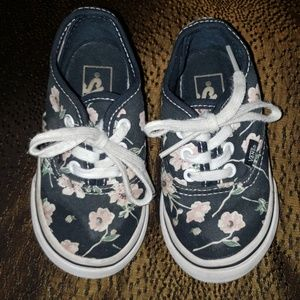 Little Girls Vans! 🌸🌷 Size 5.5